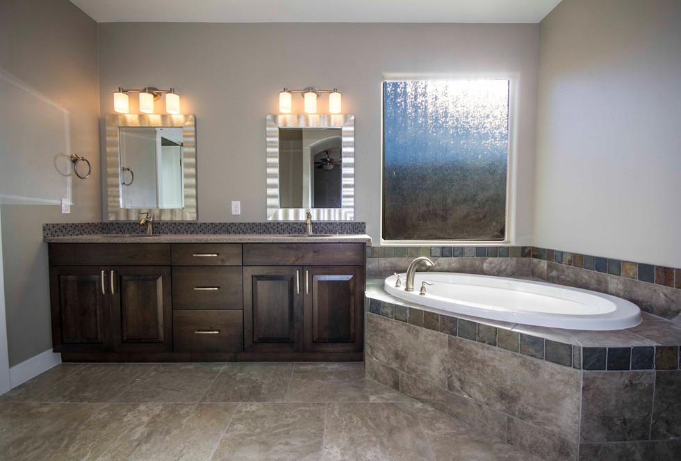 Master Bathroom-2 (8).jpg