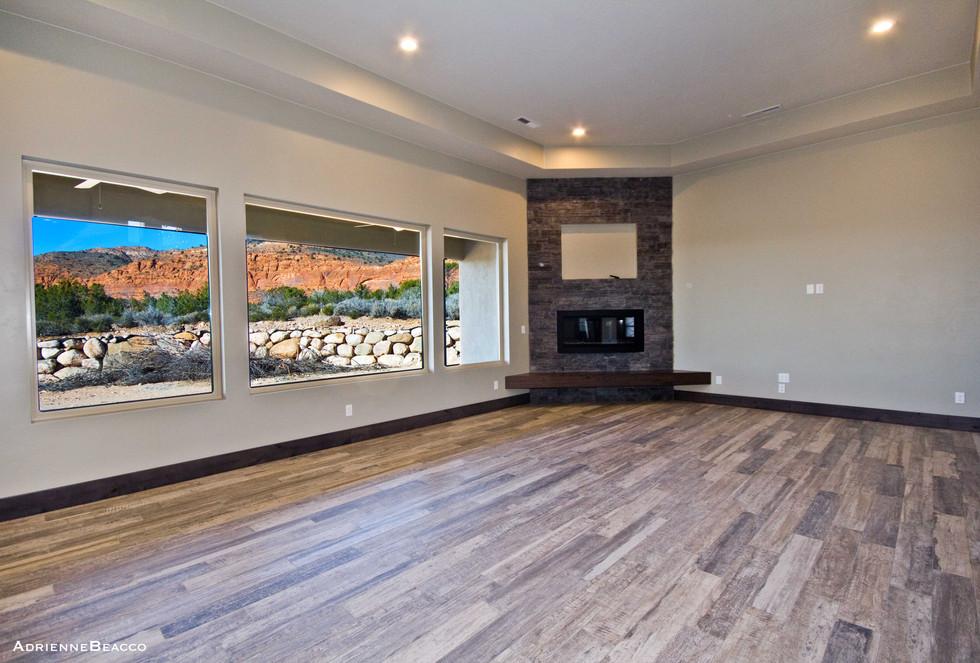 Living Room (12).jpg