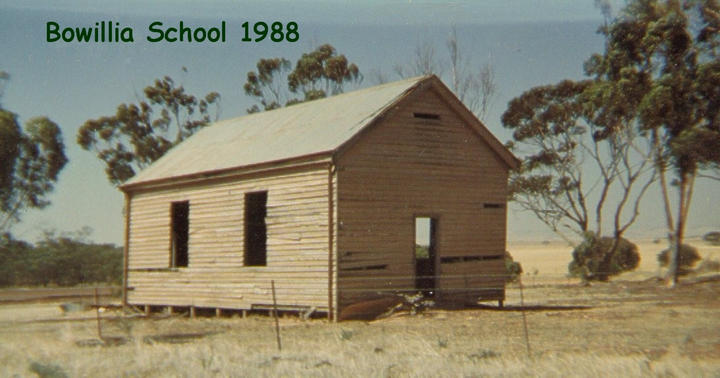 161A 1988 04 04 Bowillia School in its d