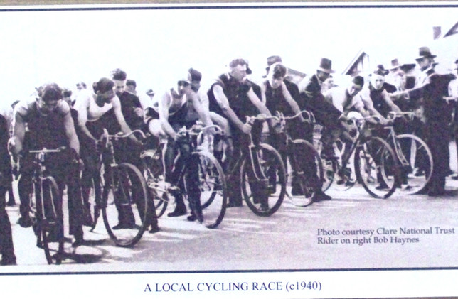 A local Cycling Group c.1940