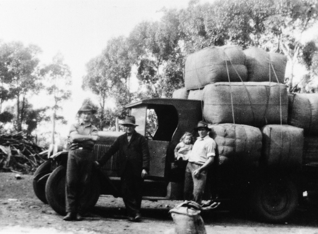 Truckload of Wool bales Picture18.png