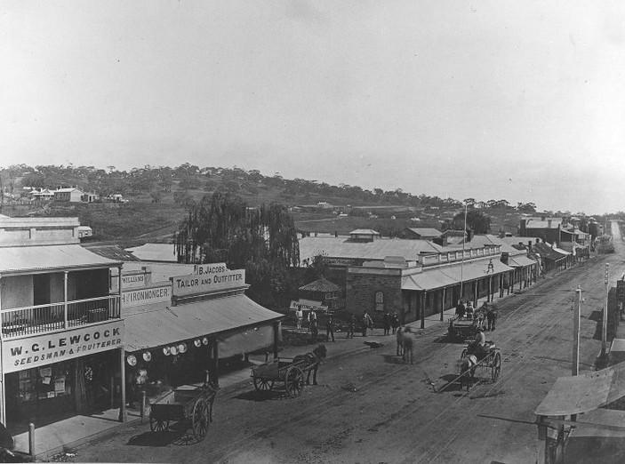 Main Street 1880.jpg