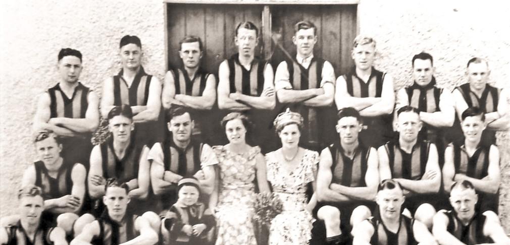South Clare Football Team_edited.jpg