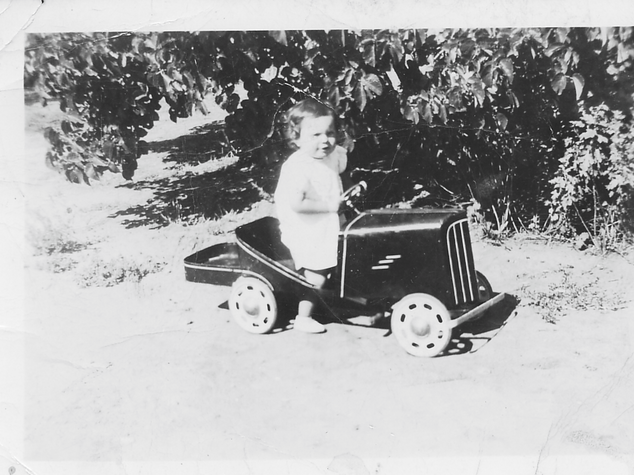 Child and toy car Picture72.png