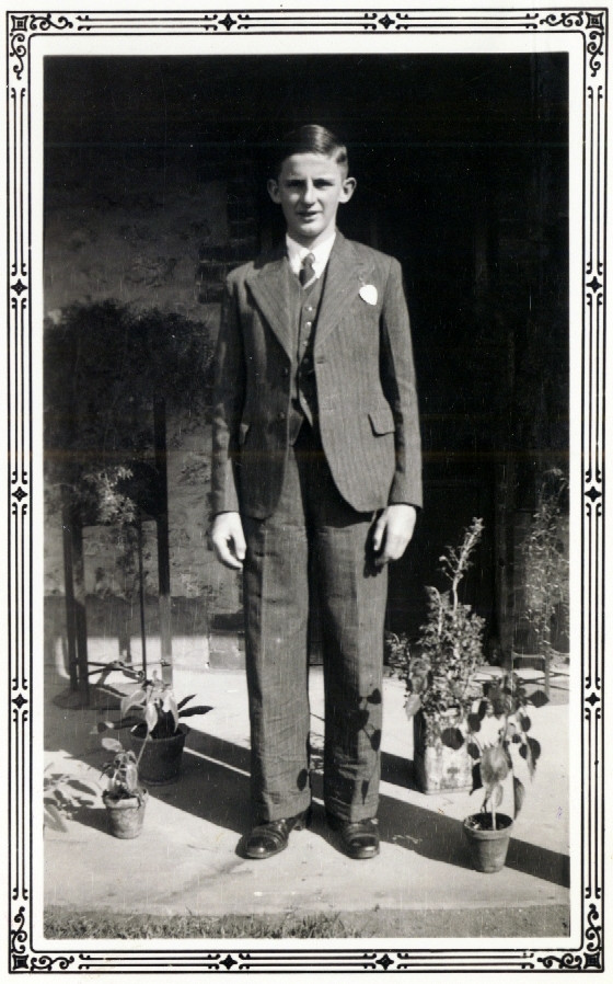 1937-08-01 00 James W Gleeson at Bowilli