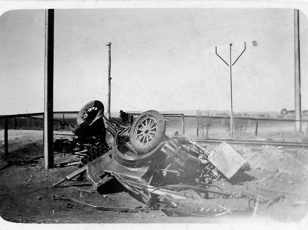 Car Accident-1km North of Blyth-McEwins Car-1928