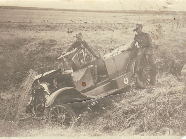 Car accident with military men Picture16