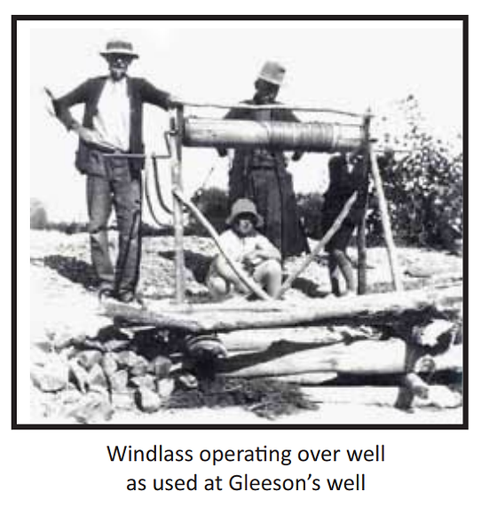 Windlass over Gleeson's well.png