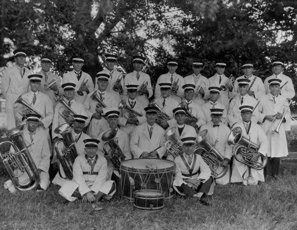 Clare Band 1928.jpg