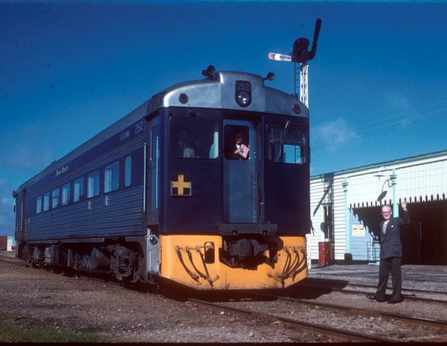 Blue Bird train in Yacka 1958