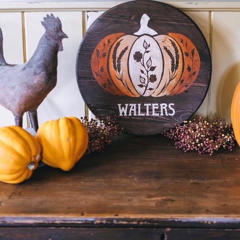 """""""Harvest Pumpkin"""" 18 inch Round"""