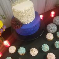 Hello Divine Cake & Cupcakes