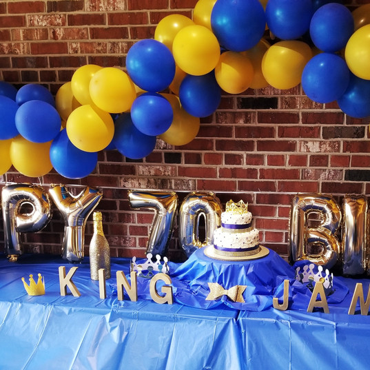 Hello Divine Birthday Balloon Decor