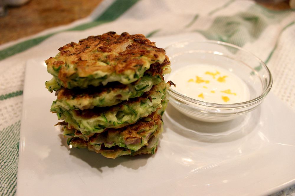 zucchini fritters with dipping sauce
