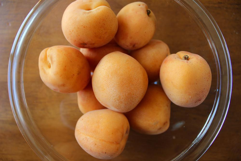 10 apricots