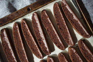 dark chocolate biscotti
