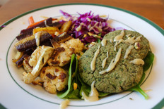 falafel bowl with cauliflower and carrots