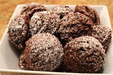 dark chocolate coconut macaroons