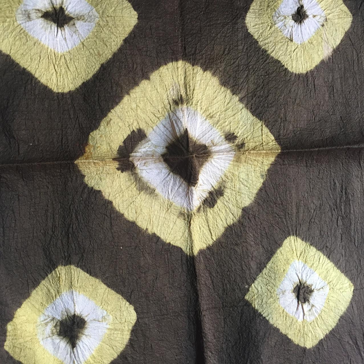 4e.tie dye sample square dark