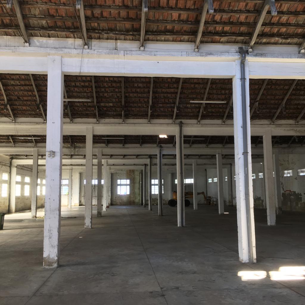 Interior nave portuaria