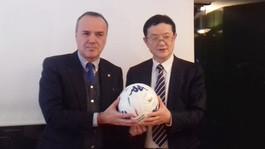 Mauro Balata incontra Li Yuyi: presentato il modello del calcio italiano