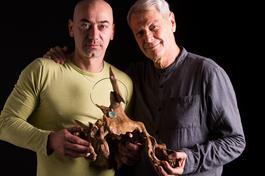 La mostra Radici e Gioielli tra natura e arte