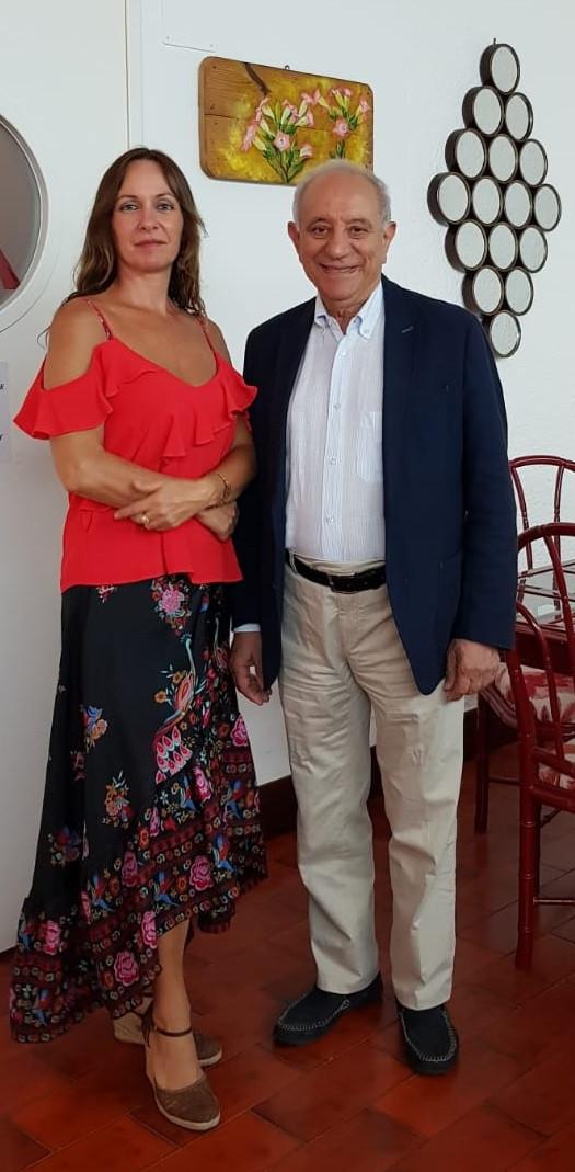 Stefania Rizzo, pittrice, con Francesco Vivacqua Presidente di Cultura&Solidarietà