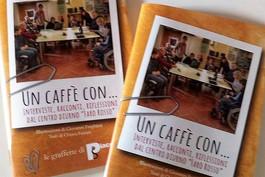"""Un caffè con... presentato il libro con gli incontri """"vip"""" al Faro Rosso"""