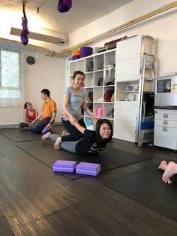 雙人瑜珈 x 按摩工作坊