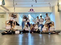 RYT200 瑜伽導師培訓課程畢業生