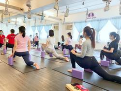RYT200 瑜伽導師培訓課程課堂練習