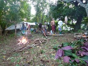 Conservation du plateau Maraeti'a, action sur le terrain de l'association Te rau ati ati