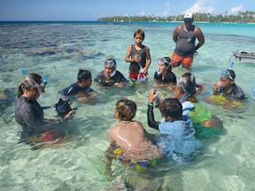 L'équipe « Aire Marine Educative » en mission aux Tuamotu