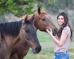Mädchen mit pferd1