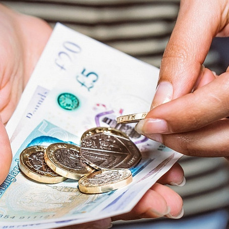 25 million Brits would struggle in a cashless society