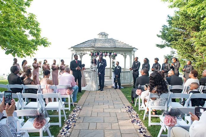 Weddings-banquets-Page-gazebo-hill-cerem