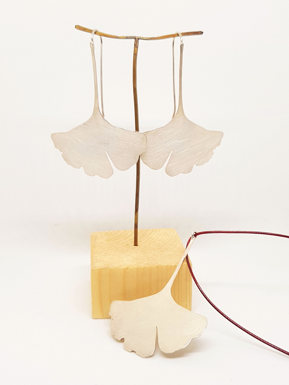 Ginkgo silver pendant, brushed silver leaf pendant, nature inspired pendant, ginkgo leaf silver pendant, modern pendant, nature lover gift