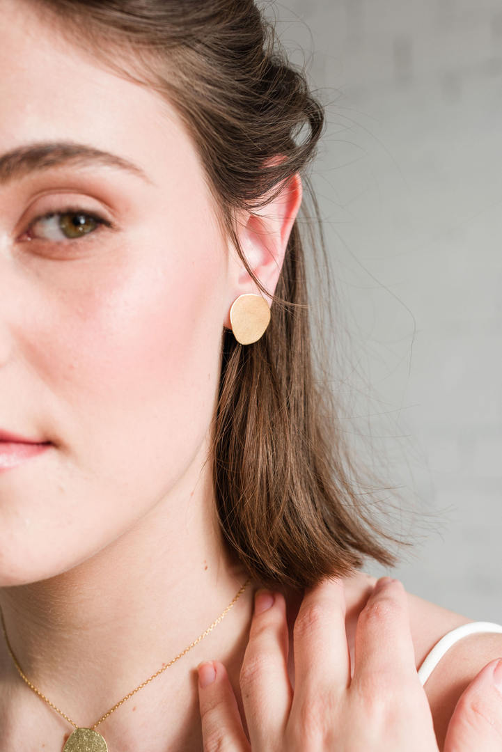 texture golden circle earrings