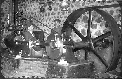 Steam Engine.jpg