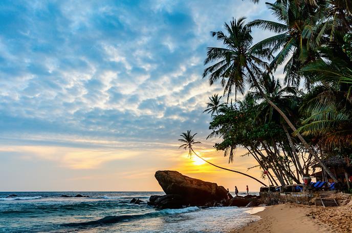 Guideevasion-plage-sunset-Sri-Lanka-749x