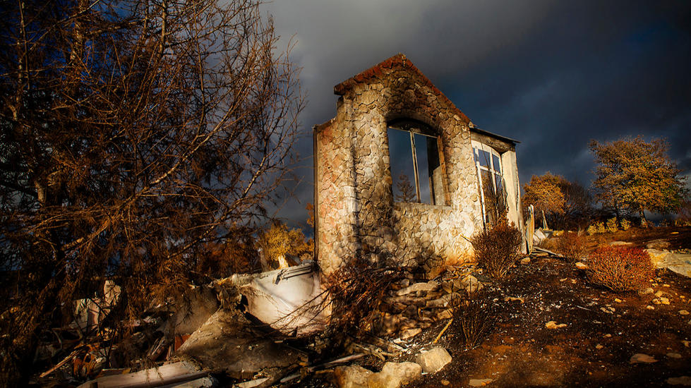 California-Wildfire-Tubbs-Ruins-Santa Ro