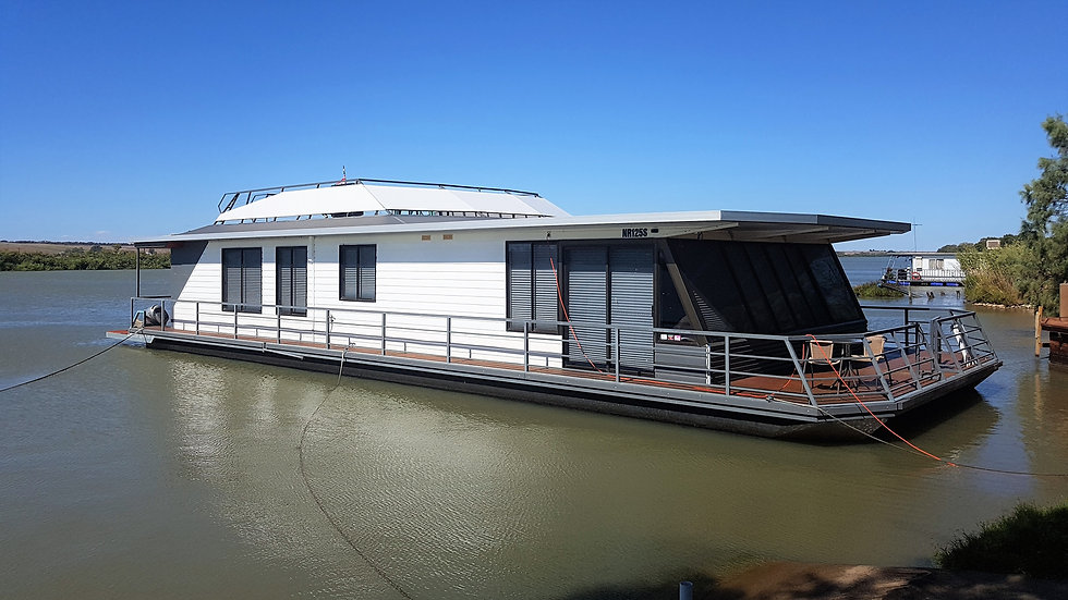 20m Houseboat