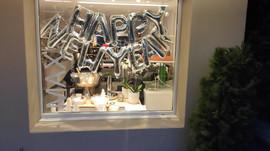 Wir bedanken uns herzlich für Ihr Vertrauen und wünschen Ihnen viel Freude für das neue Jahr!