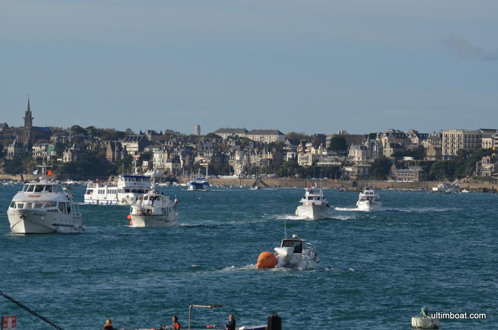 l'armada des bateaux spectateurs