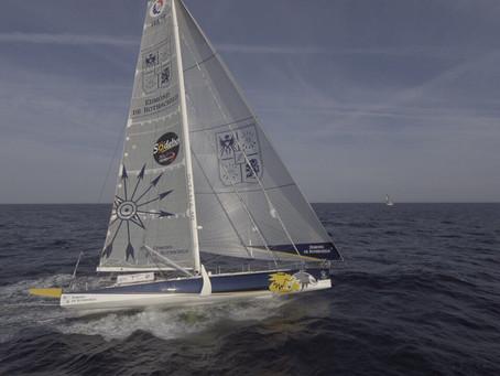 Gitana 16 à la 4ème place du tour de Groix