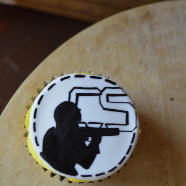 Counter Strike cupcakes