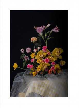 Composition florale piquée en fleurs fraiches, personnalisable ou surprise