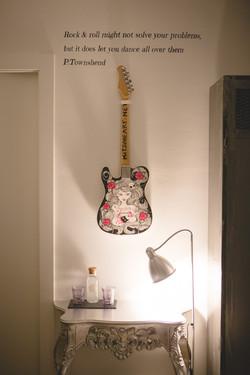 guitar_table