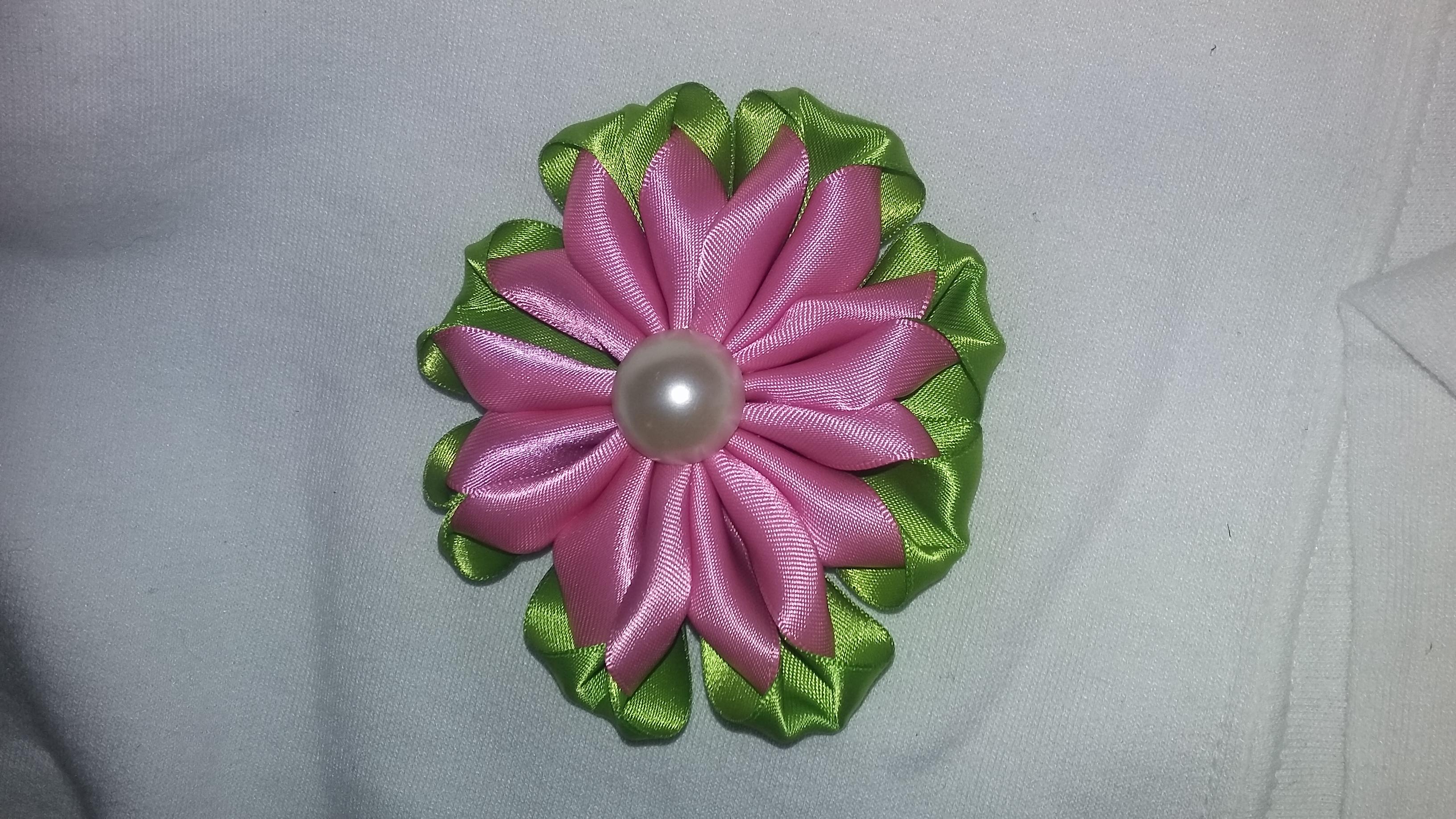 pearl light P/G Petunia