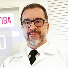 Dr cyro urologista.jpg